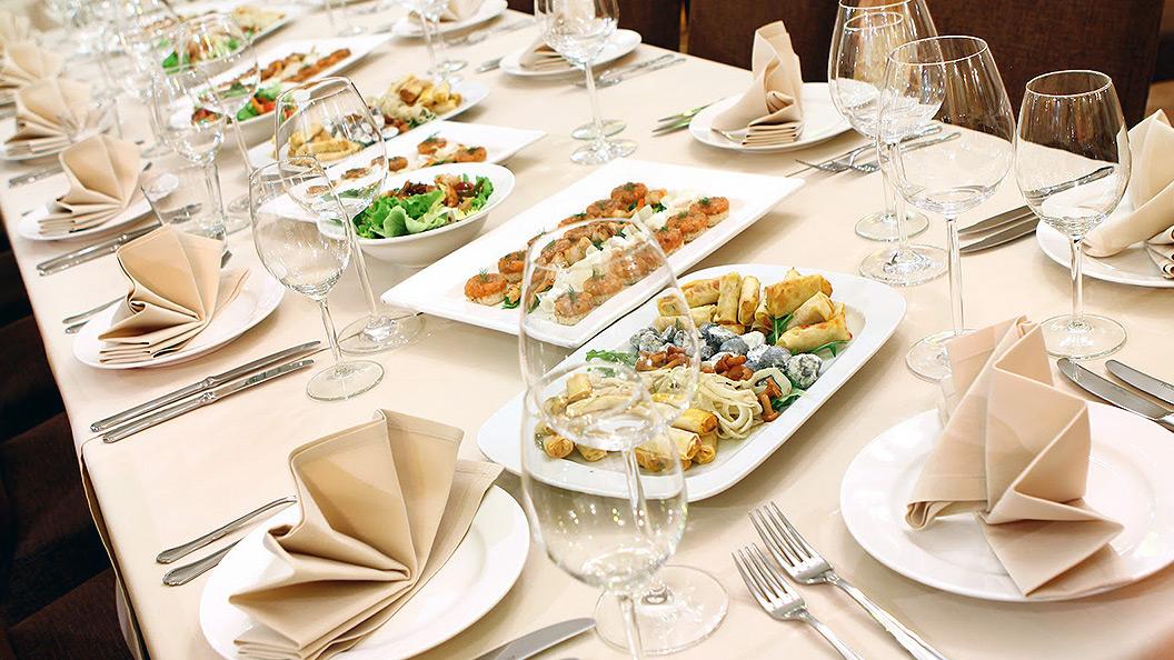 Réservation du restaurant pour les repas d'entreprise.