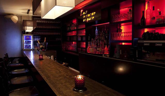 Bar restaurant cocktails