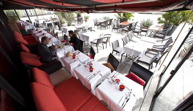 Déjeuner en terrasse à Paris au TLMP